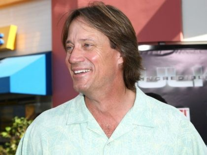 "UNIVERSAL CITY, CA - JUNE 08: Actor Kevin Sorbo arrives at the premiere of Universal Pictures' ""The Incredible Hulk"" held at the Universal City Walk on June 8, 2008 in Universal City, California. (Photo by Alberto E. Rodriguez/Getty Images)"