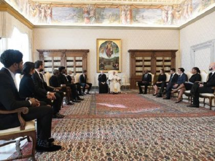 Pope Francis meets with NBA delegation in Vatican