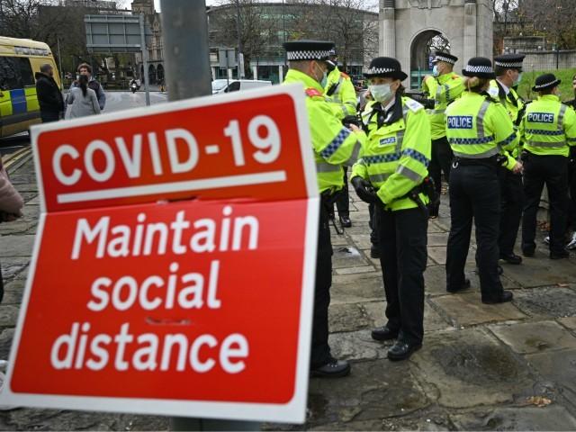 UK Covid Cops Bust Women's Dinner Party