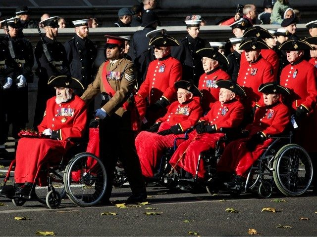 LONDON, ENGLAND - NOVEMBER 12: Victoria Cross holders Bill Speakman (L), Johnson Beharry (2nd L) and Chelsea Pensioners parade during the annual Remembrance Sunday memorial on November 12, 2017 in London, England. The Prince of Wales, senior politicians, including the British Prime Minister and representatives from the armed forces pay …