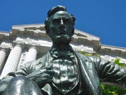 Abraham Lincoln San Francisco City Hall (Loren Javier / Flickr / CC / Cropped)
