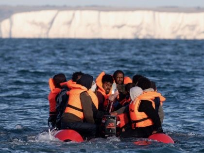 Traffickers Offering £300 Cut-Rate Christmas Prices for Illegal Migrants to Cross Channel