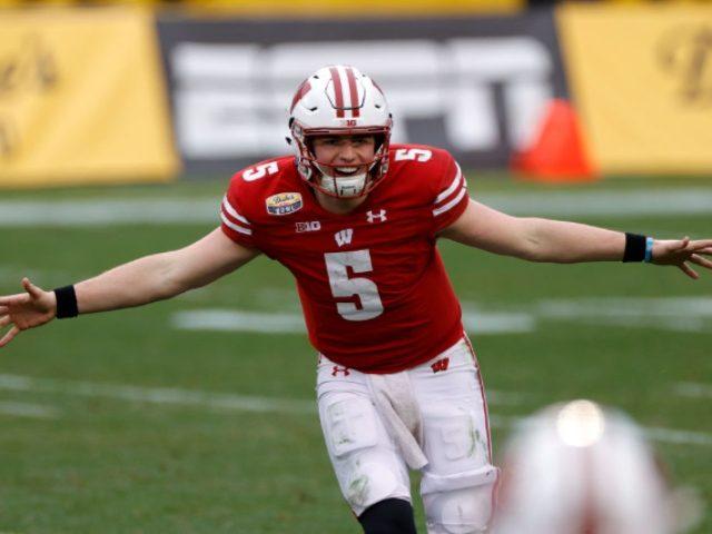Badgers win Duke's Mayo Bowl, accidentally break trophy
