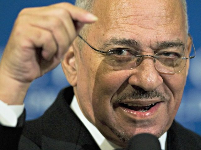 Jeremiah Wright, senior pastor of the Trinity United Church of Christ in Chicago, speaks during a breakfast program at the National Press Club on April 28, 2008 in Washington, DC. Wright, the controversial former pastor of Democratic presidential hopeful Barak Obama, spoke on the African American religious experience. Clips from …