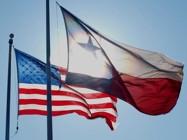 Texas Flag American Flag (Kurt Haubrich / Flickr / CC / Cropped)