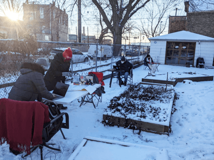 Chicago Teachers Union Angles for Strike, Opt to Teach Outside in Freezing Cold