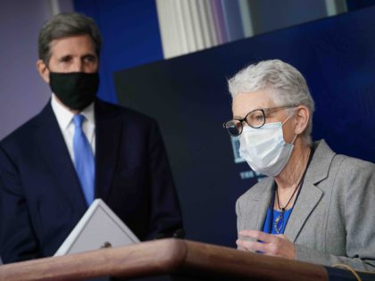 John Kerry and Gina McCarthy (Mandel Ngan / AFP / Getty)