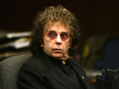 ALHAMBRA, CA - FEBRUARY 17: Music producer Phil Spector attends an evidentiary hearing in Alhambra Municipal Court February 17, 2004 in Alhambra,California. Spector is charged with the February 3, 2003 shooting death of actress Lana Clarkson in the foyer of his hilltop home. (Photo by Nick Ut - Pool via …