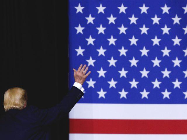 Trump farewell (Tom Brenner / Getty)