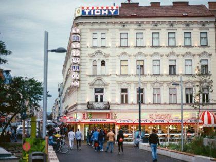 Wien X Reumannplatz Eisslaon Tichy