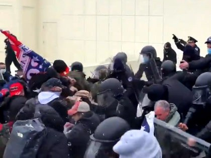 dc-trump-supporters-clash-police