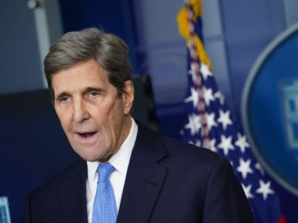 John Kerry, Jen Psaki Go Maskless at White House Press Briefing