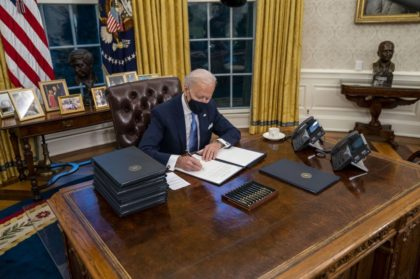 Biden to sign new orders to give states COVID-19 help, widen testing
