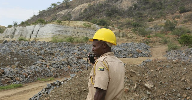 Zimbabwe: Locals Attack Chinese Miners with 'Crowbars, Picks, Shovels'