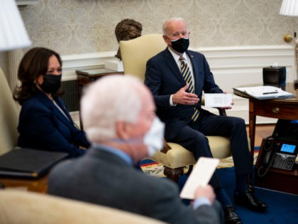 WASHINGTON, DC - FEBRUARY 24: U.S. President Joe Biden and Vice President Kamala Harris meet with a bipartisan group of House and Senate members on U.S. supply chains at the Oval Office of the White House on February 24, 2021 in Washington, DC. (Photo by Doug Mills-Pool/Getty Images)