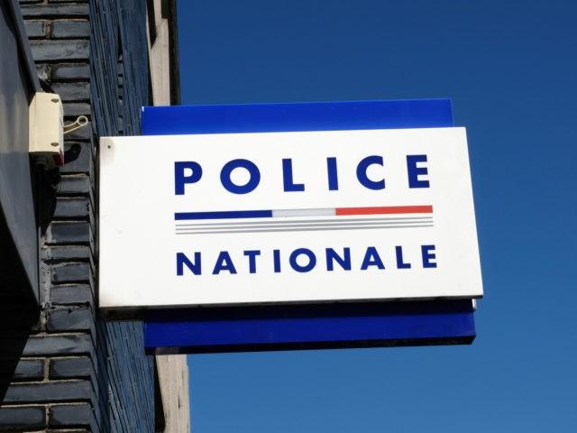 enseigne d'un bureau de police nationale français