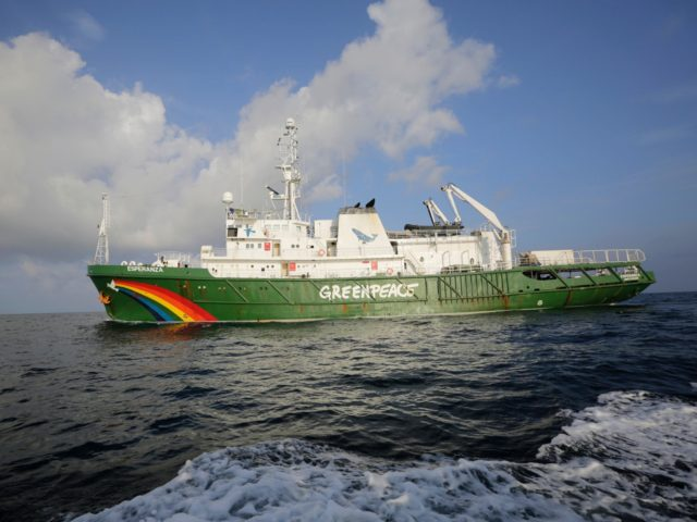 This picture taken on September 3, 2019 shows Esperanza, the environmentalist organization Greenpeace's boat sailing on the Amazon reef off the French Guiana coast. - A Greenpeace-CNRS mission explores the Amazon reef of the French Guiana coast, a unique biodiversity reservoir, threatened by Brazil's oil exploration. (Photo by Pierre TRIHAN …