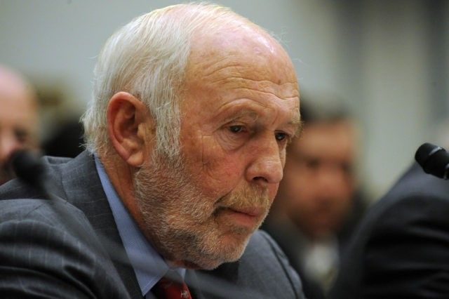 "James Simons, director of Renaissance Technologies LLC, listens during the House Oversight and Government Reform Committee November 13, 2008 in Washington, DC. George Soros chairman of Soros Fund Management LLC, testified on the topic of ""The Regulation of Hedge Funds"" during the hearing. AFP PHOTO/TIM SLOAN (Photo credit should read …"