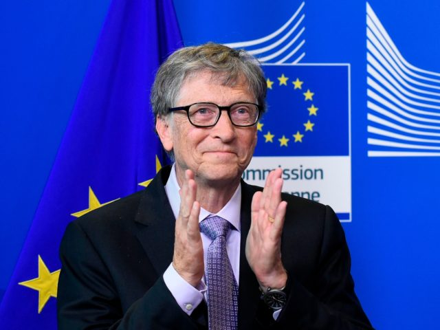 Founder of Microsoft and chairman of Breakthrough Energy Ventures, to establish the Breakthrough Energy Europe investment fund, Bill Gates applauds during a press conference at the EU headquarters in Brussels on October 17, 2018. (Photo by JOHN THYS / AFP) (Photo by JOHN THYS/AFP via Getty Images)