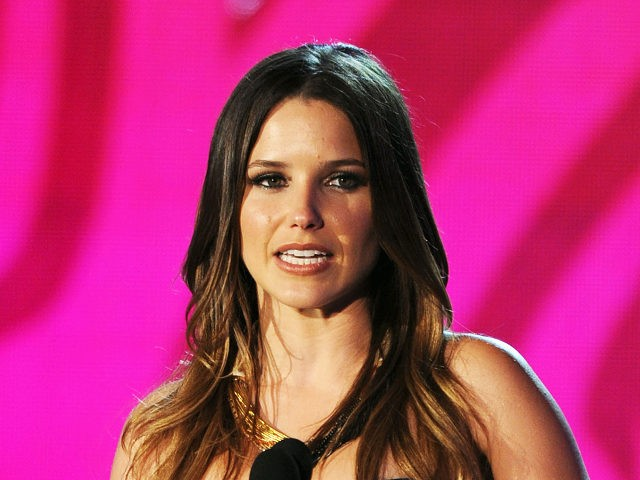 HOLLYWOOD, CA - AUGUST 14: Actress Sophia Bush accepts the Do Something Twitter award onstage during the 2011 VH1 Do Something Awards at the Hollywood Palladium on August 14, 2011 in Hollywood, California. (Photo by Kevin Winter/Getty Images)