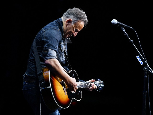 Prosecutors Drop DWI Charges Against Bruce Springsteen, Fined $500