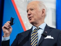 Joe Biden Forgets His Mask Again at the White House