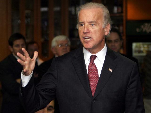 U.S. Sen. Joseph Biden, D-Del., talks about the Bush administration during a stop in Manchester, N.H., Tuesday, Nov. 1, 2005 (AP Photo/Jim Cole)