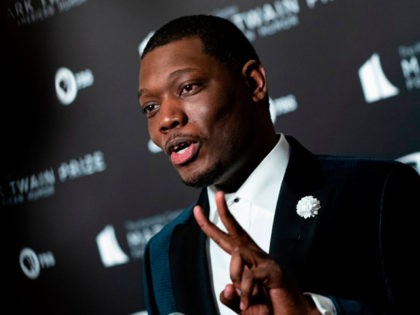 US comedian Michael Che arrives at the Kennedy Center for the Mark Twain Award for American Humor on October 27, 2019 in Washington, D.C. - This years' award recipient is comedian Dave Chappelle. (Photo by Alex Edelman / AFP) (Photo by ALEX EDELMAN/AFP via Getty Images)