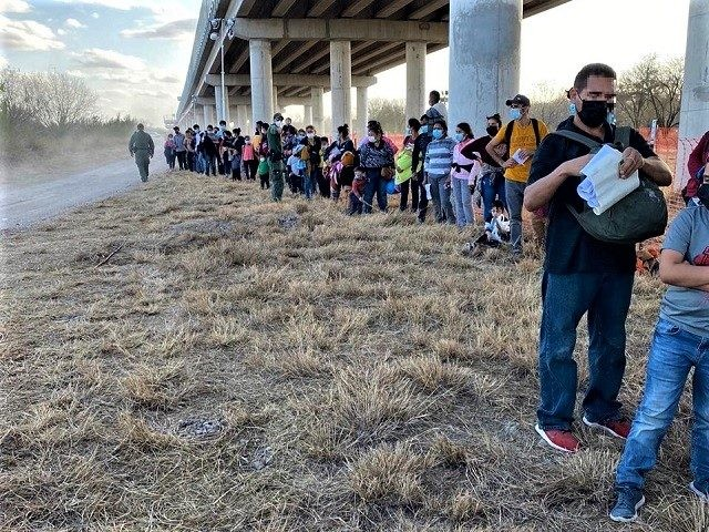 REPORT: 100K Migrants Apprehended at U.S.-Mexico Border in February