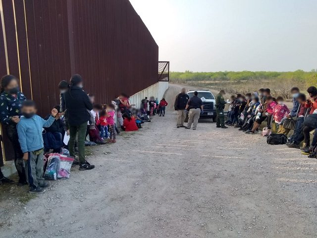 Border Patrol agents continue to apprehend large groups of migrant families and unaccompanied minors. (Photo: U.S. Border Patrol/Rio Grande Valley Sector)