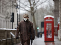 UK Govt Scientist Says Britons Should Wear Masks with THREE Layers
