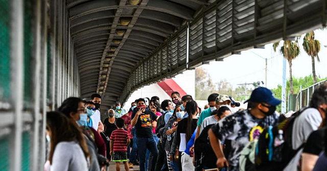 Image NYTimes: Biden Opens U.S. Border to the Globe's Economic Migrants