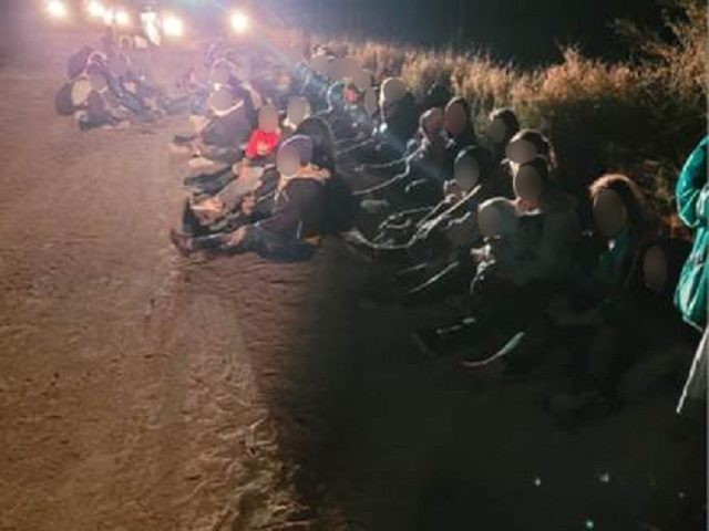 10K Migrants Apprehended in One Week in Single Texas Border Sector, Says Democrat Congressman