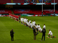 Rugby: Standing Wales Team Defeats Kneeling England, Wins Triple Crown