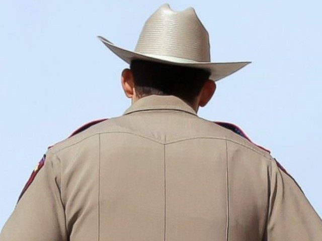AP_texas_state_trooper_jef_160804_4x3t_992