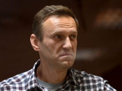 Doctors: Russian Political Prisoner Alexei Navalny 'Could Die at Any Moment'