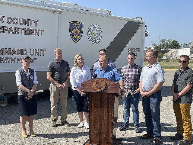 Congressional delegation at border in Eagle Pass, TX.(Photo: Randy Clark/Breitbart Texas)