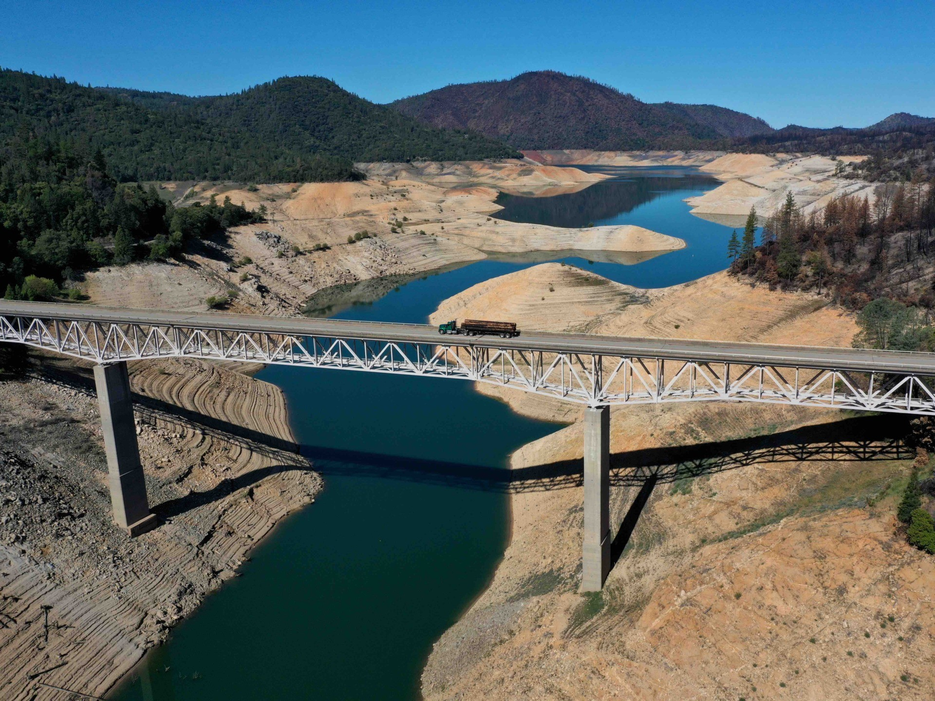 Dry Lake Oroville 2021 b (Justin Sullivan / Getty)