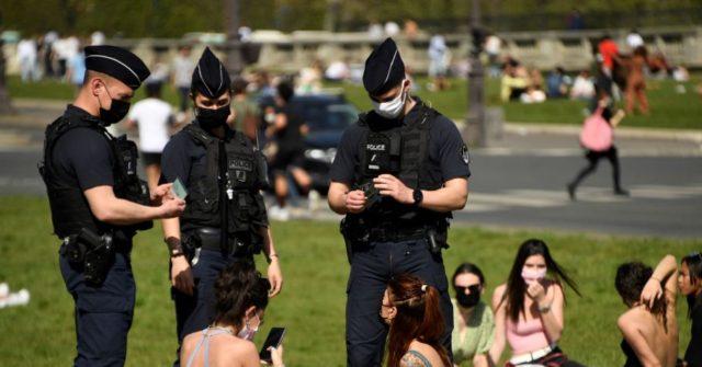 Paris Deploys 6,600 Police to Enforce New Coronavirus Rules