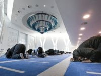 French Police Instructed to Bend Lockdown Rules for Muslims During Ramadan: Report