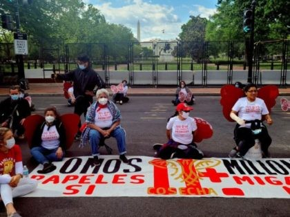 Activist from migrants organizations Cosecha (Harvest) and TPS Alliance protest near the White House on April 30 in Washington, DC, to demand more immigration action from the administration of US President Joe Biden. - The activists want the executive to push the US Senate to approve legislation that passed the …
