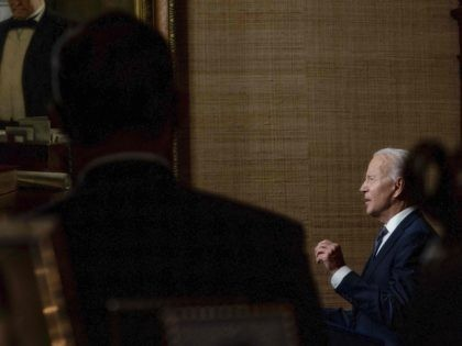 Joe Biden shadows (Andrew Harnik / Pool / AFP / Getty)