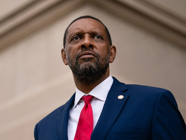 Exclusive – Vernon Jones: 'I'm a Black MAGA Man' Running Against 'RINO' Gov. Brian Kemp