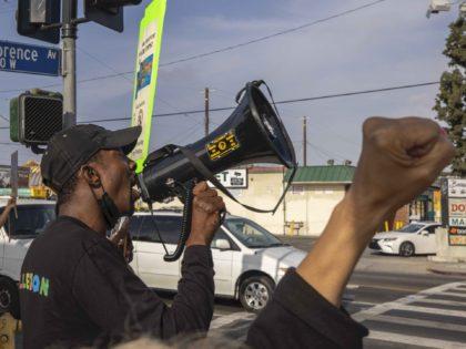 L.A. Duante Wright protest (David McNew / Getty)