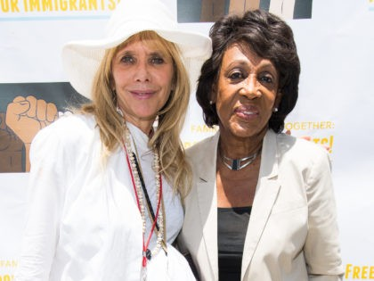 LOS ANGELES, CA - JUNE 30: Rosanna Arquette and Maxine Waters attend 'Families Belong Together - Freedom for Immigrants March Los Angeles' at Los Angeles City Hall on June 30, 2018 in Los Angeles, California. (Photo by Emma McIntyre/Getty Images for Families Belong Together LA)