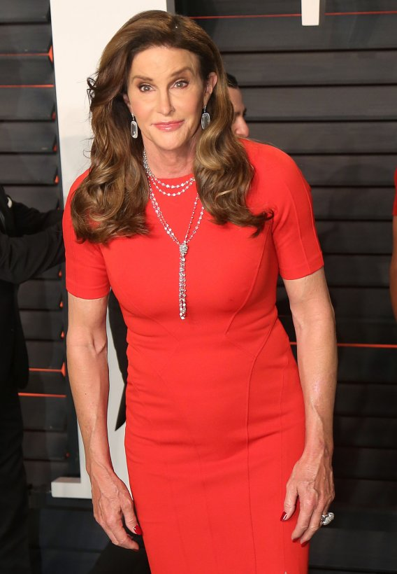Caitlyn Jenner announces bid for California governor