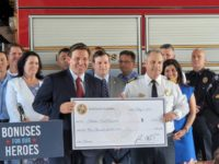 Florida Gov. DeSantis to Offer $1K Bonuses to Police Officers, Firefighters