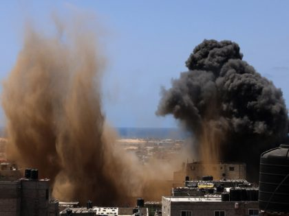 Gaza explosions (Said Khatib / AFP / Getty)