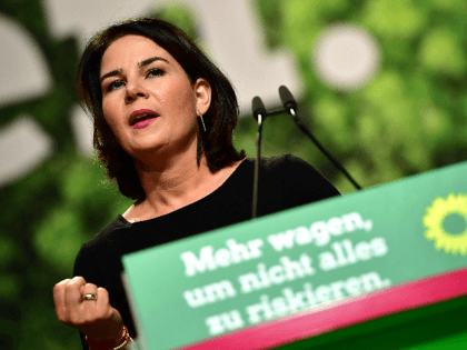 Germany: Poll-Topping Green Party Pledge to Make Air Travel More Expensive