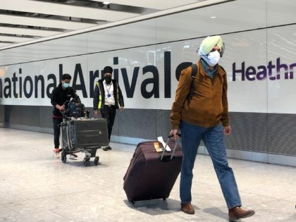20,000 Travellers from India Allowed Into UK as Covid Variant Raged